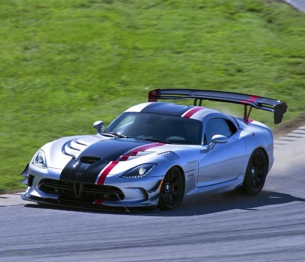 Dodge Viper ACR Dominates Track Records