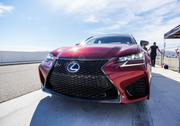 2016_lexus_gs_f_review_15
