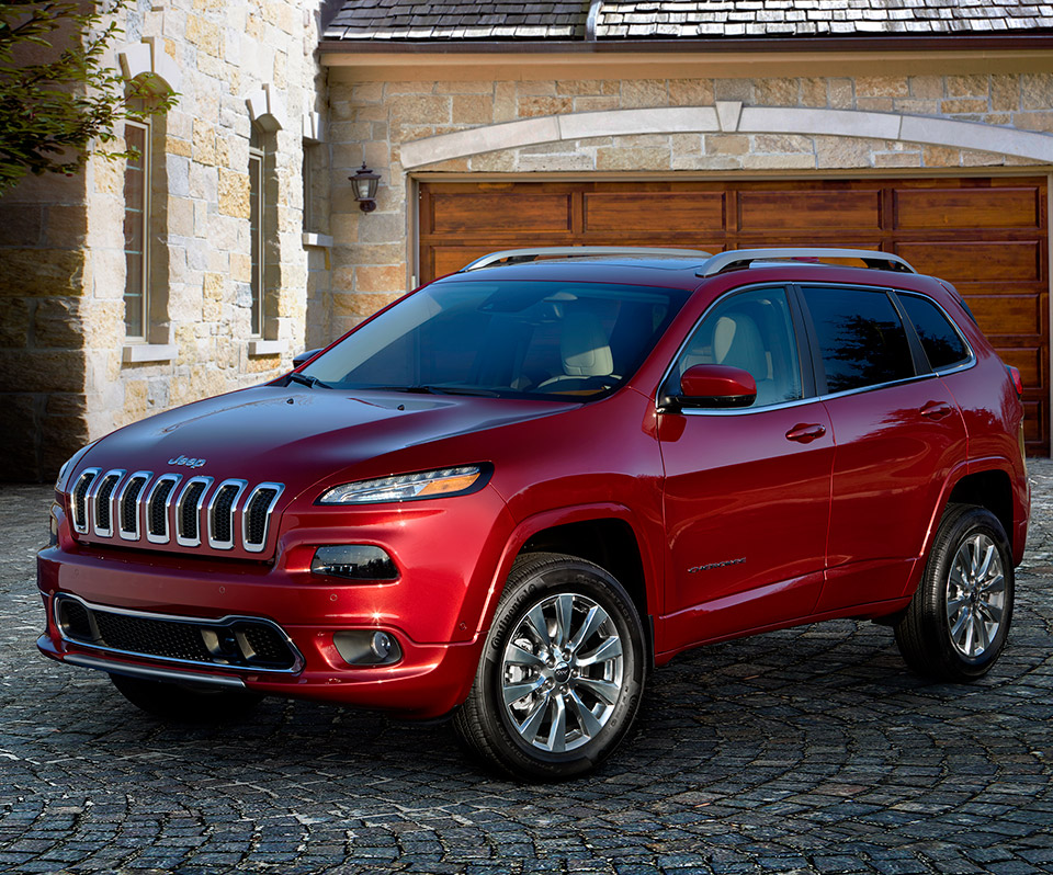 Jeep Cherokee Overland: Off-road Skills, Fancy Trim