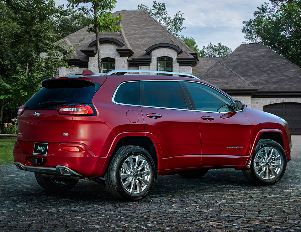 Grand Cheroke 2017 >> Jeep Cherokee Overland: Off-road Skills, Fancy Trim | The ...
