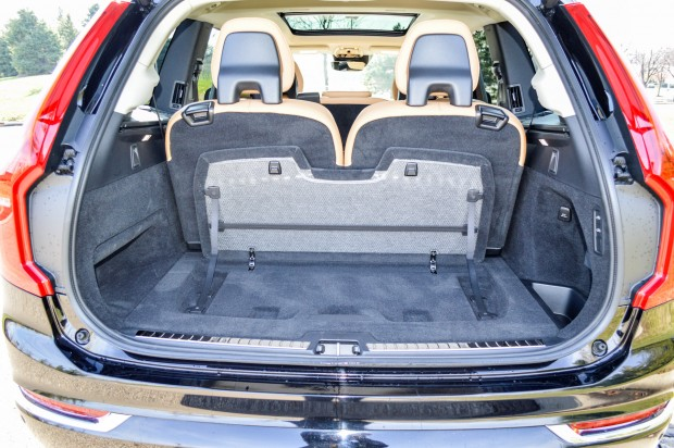 review 2016 volvo xc90 95 octane. Black Bedroom Furniture Sets. Home Design Ideas