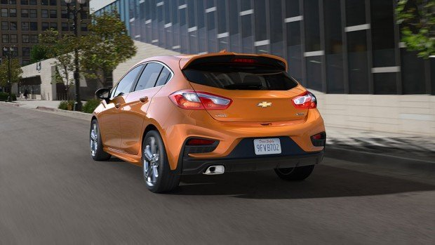 2017-Chevrolet-CruzeHatch-_3