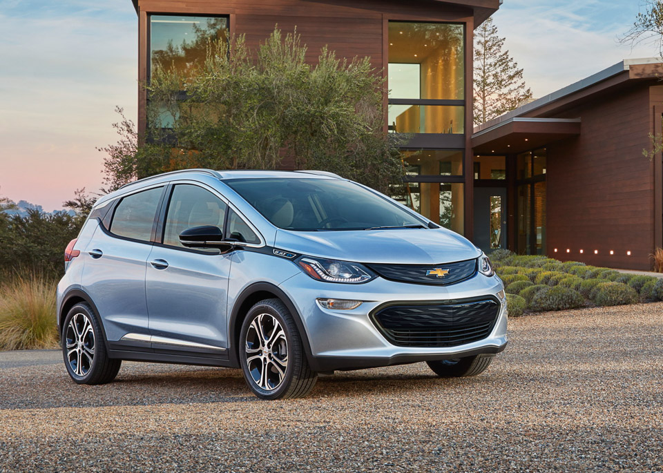 2017 Chevy Bolt: 200 Miles per Charge, Half the Cost of a Tesla