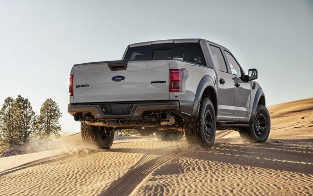 2017_ford_raptor_supercrew_3