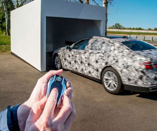 2016 BMW 7 Series' Awesome Park Assistant Plus Coming Soon to U.S.