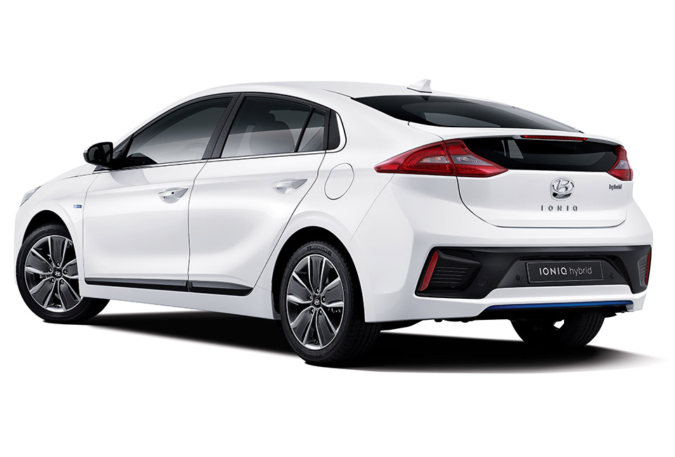 Ford That Looks Like Aston Martin >> Hyundai IONIQ Hybrid Wants to be the Next Prius - 95 Octane