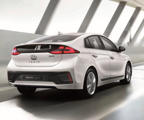 Hyundai IONIQ Hybrid Wants to be the Next Prius