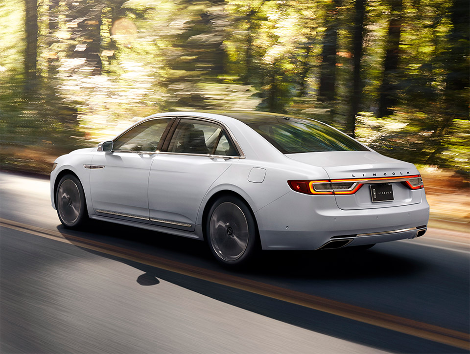 2017 lincoln continental packs comfort  tech  performance