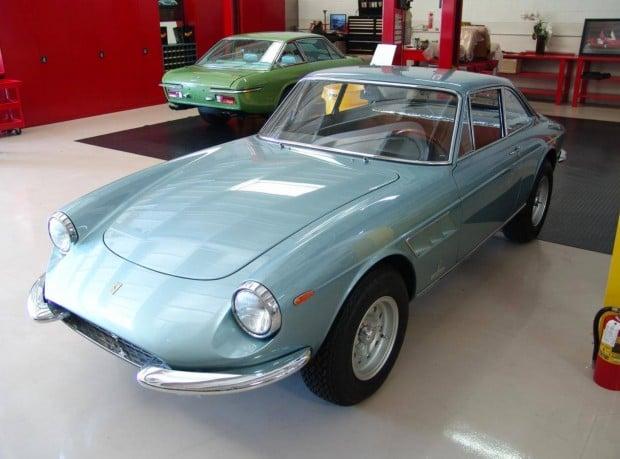 1967-ferrari-330GTC_3