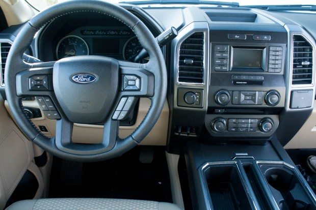 2015_Ford_F150_EcoBoost_4