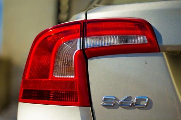 2016_Volvo_S60_T5_5