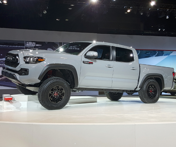 2017 toyota tacoma trd pro bows in chicago. Black Bedroom Furniture Sets. Home Design Ideas