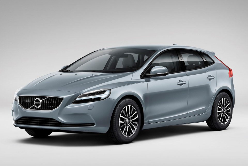 volvo v40 facelift brings lots of blue and thor 39 s hammer 95 octane. Black Bedroom Furniture Sets. Home Design Ideas
