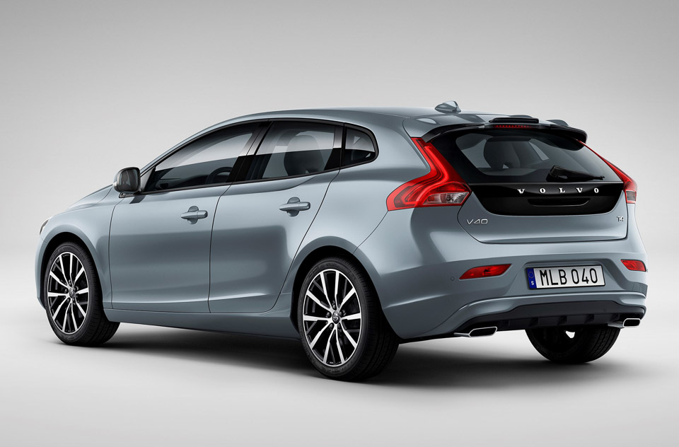 volvo v40 facelift brings lots of blue and thor 39 s hammer