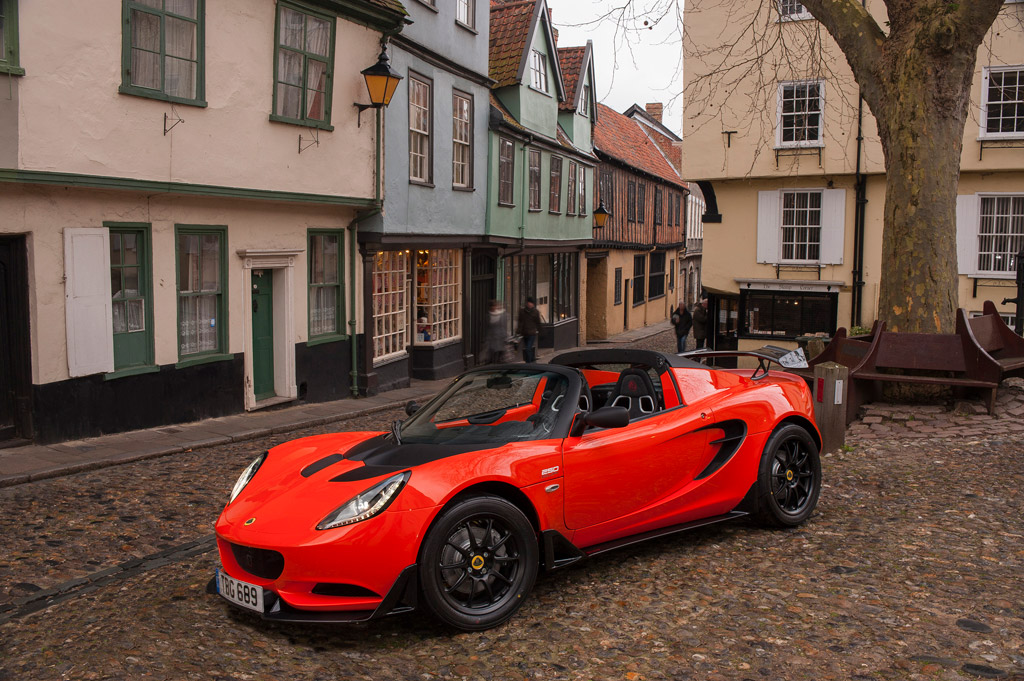 Lotus Elise Cup 250 Packs 243hp into 2000lb Package