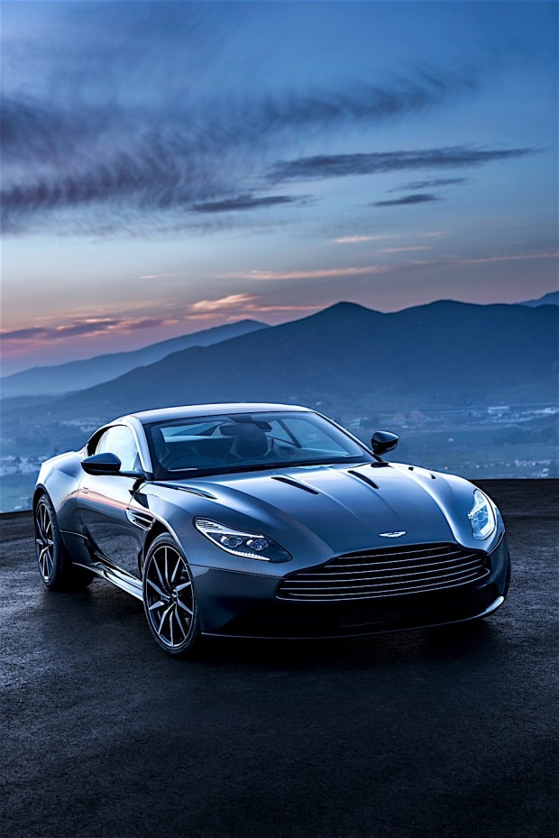 Aston Martin DB11_3