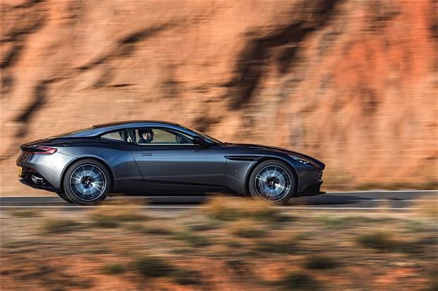 Aston Martin DB11_5