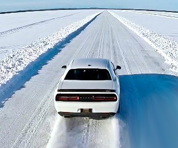Dodge Challenger SRT Hellcat Goes over 170mph on Ice