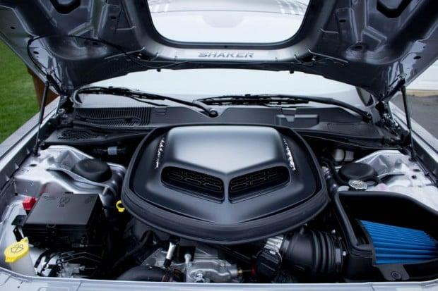 2016_Dodge_Challenger_Scat_Pack_Shaker_8