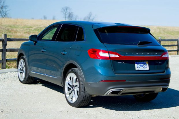 2016_Lincoln_MKX_AWD_2
