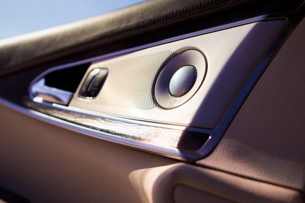 2016_Lincoln_MKX_AWD_4