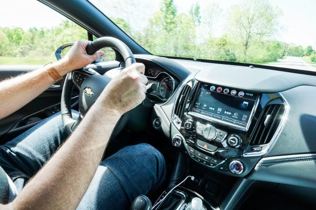 2016_chevy_cruze_review_10