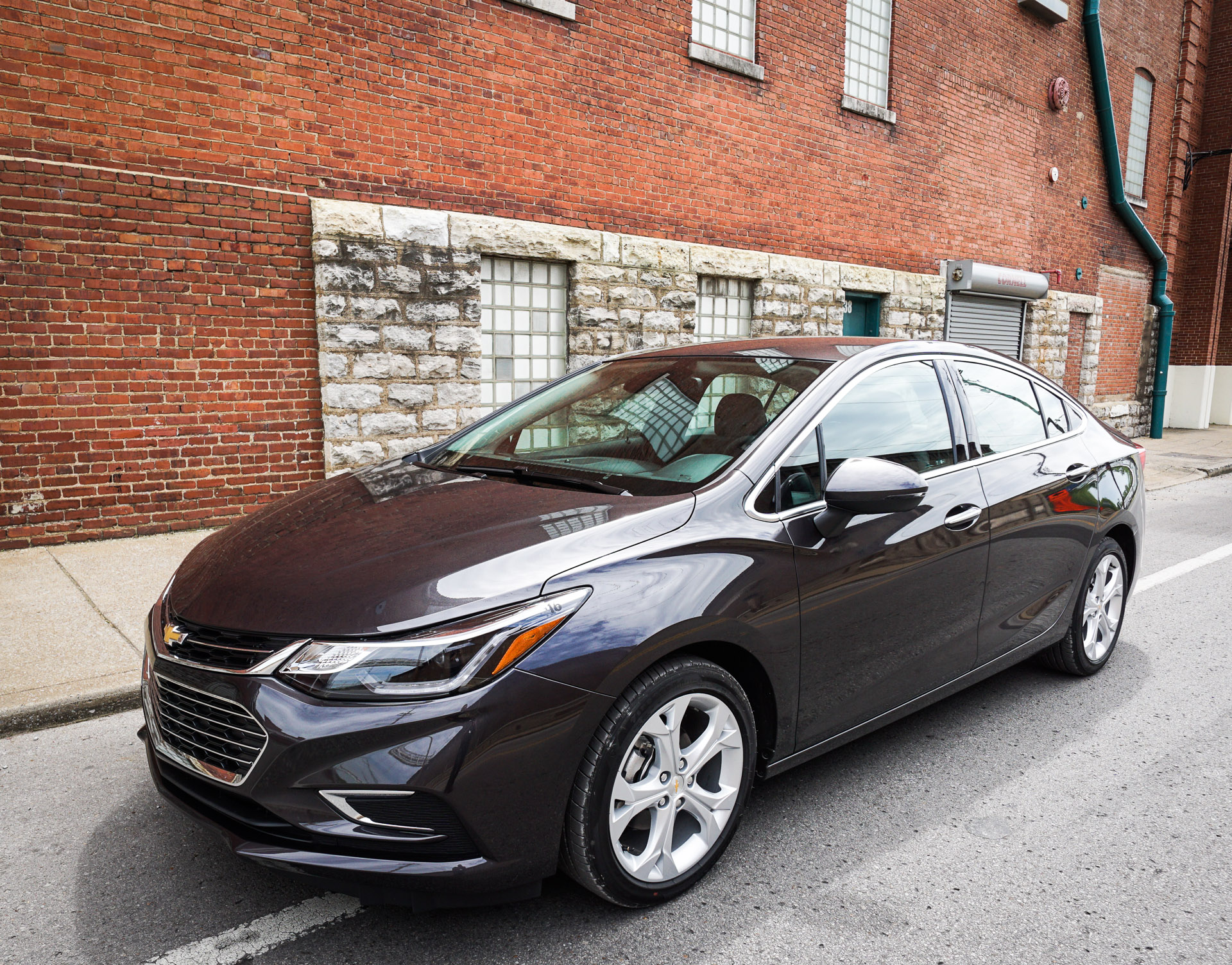 first drive review 2016 chevrolet cruze. Black Bedroom Furniture Sets. Home Design Ideas