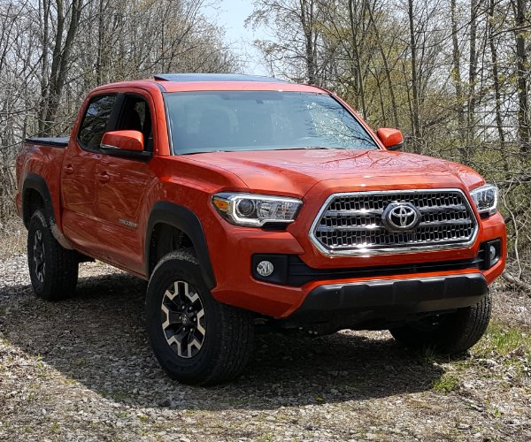 Review: 2016 Toyota Tacoma TRD Off-Road with Manual