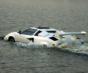 Amphibighini Proves the Lamborghini Countach Walks on Water