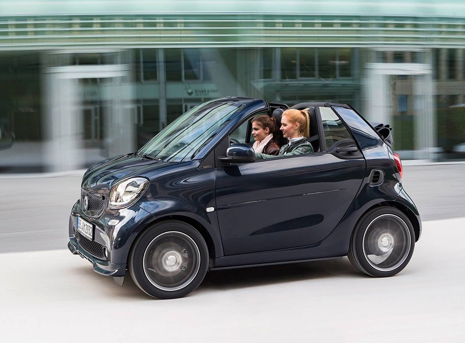 brabus tuned smart fortwo is the tiniest axe murderer 95 octane. Black Bedroom Furniture Sets. Home Design Ideas