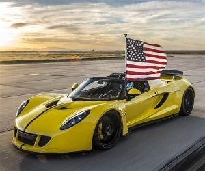Hennessey's Venom GT Spyder Bites Into a Speed Record