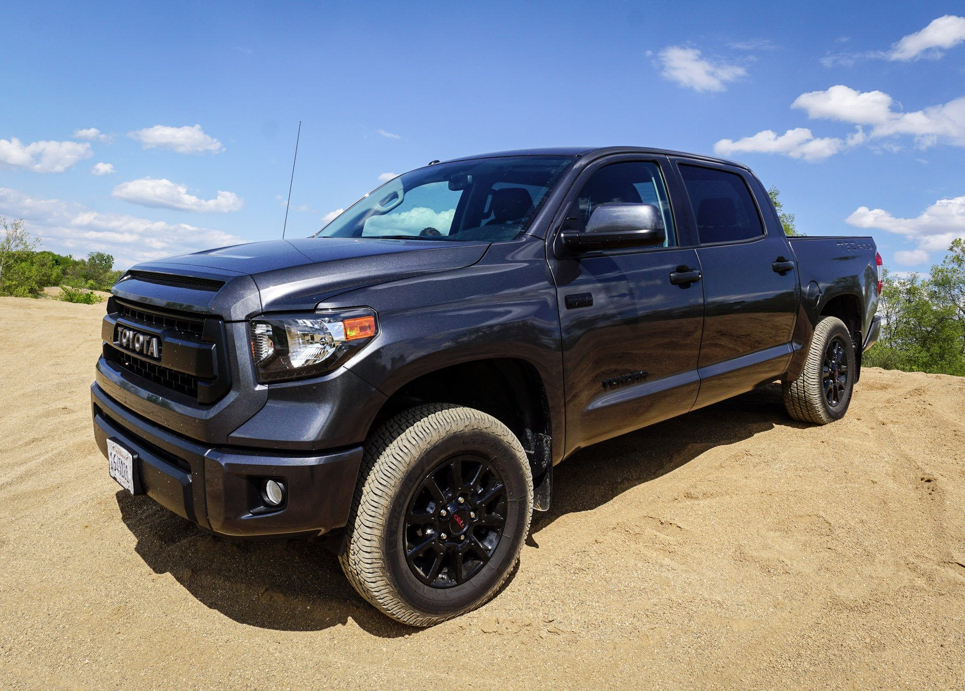 off road 2016 toyota tundra trd pro the thrill of driving. Black Bedroom Furniture Sets. Home Design Ideas
