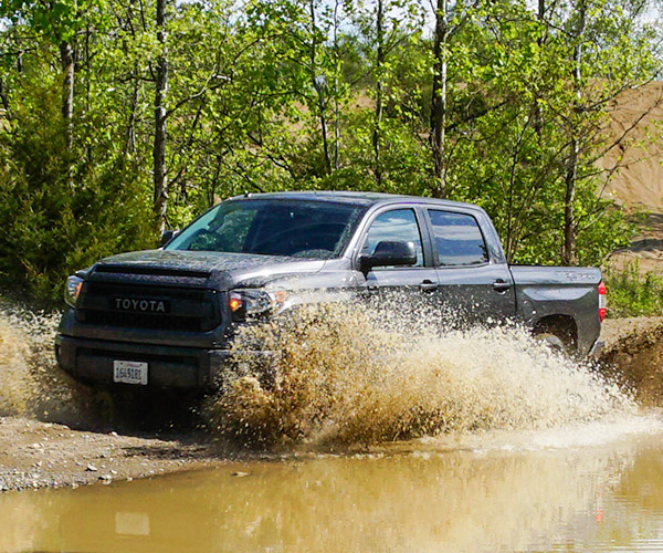Off-Road: 2016 Toyota Tundra TRD Pro