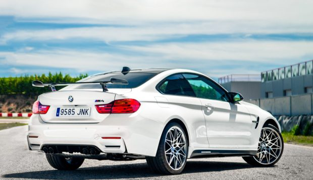 2017_bmw_m4_competition_sport_2
