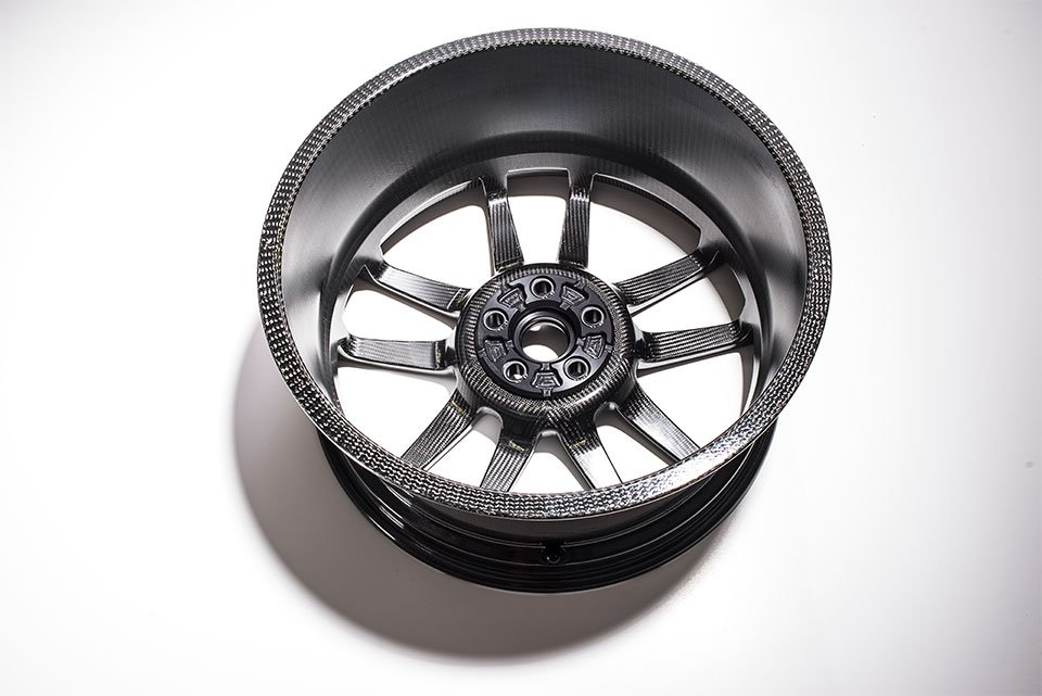 Ford GT Carbon Fiber Wheels Shave Weight and Look Good Doing it