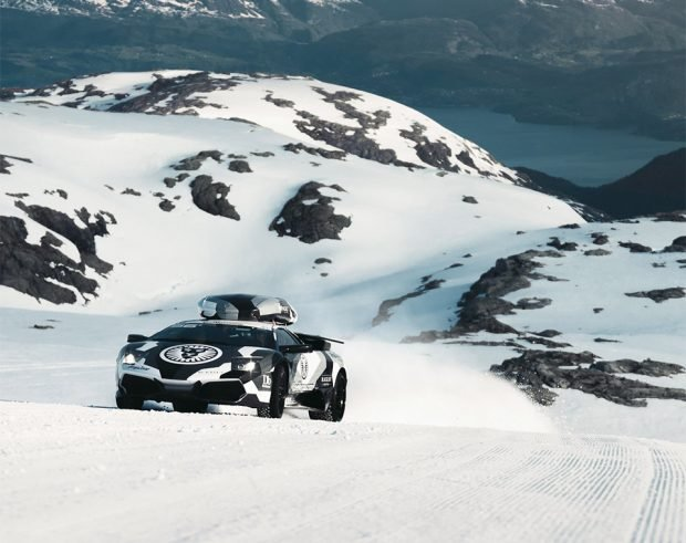 lamborghini_on_a_glacier_1
