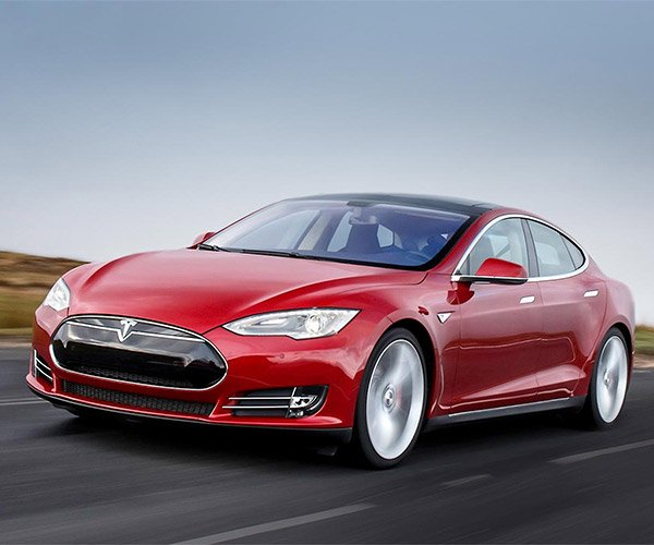 Tesla Model S Autopilot Isn't for Napping on the Road