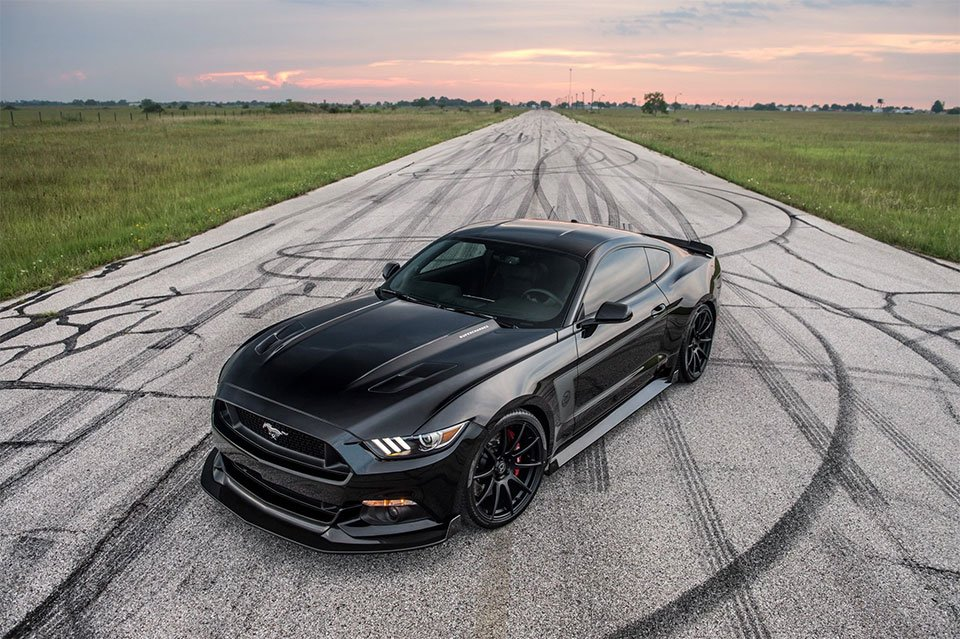 Hennessey 25th Anniversary HPE800 Mustang Hits 207.9 mph