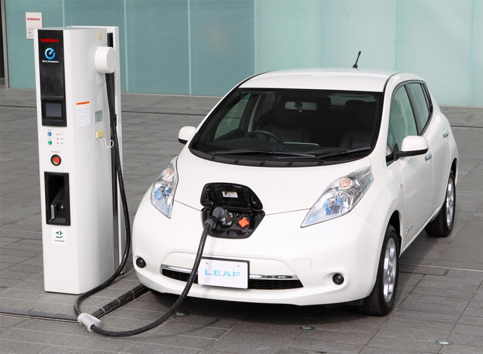 New Nissan LEAF Could Go 200+ Miles per Charge