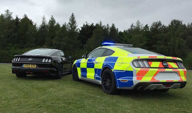 uk_police_mustang_gt_2