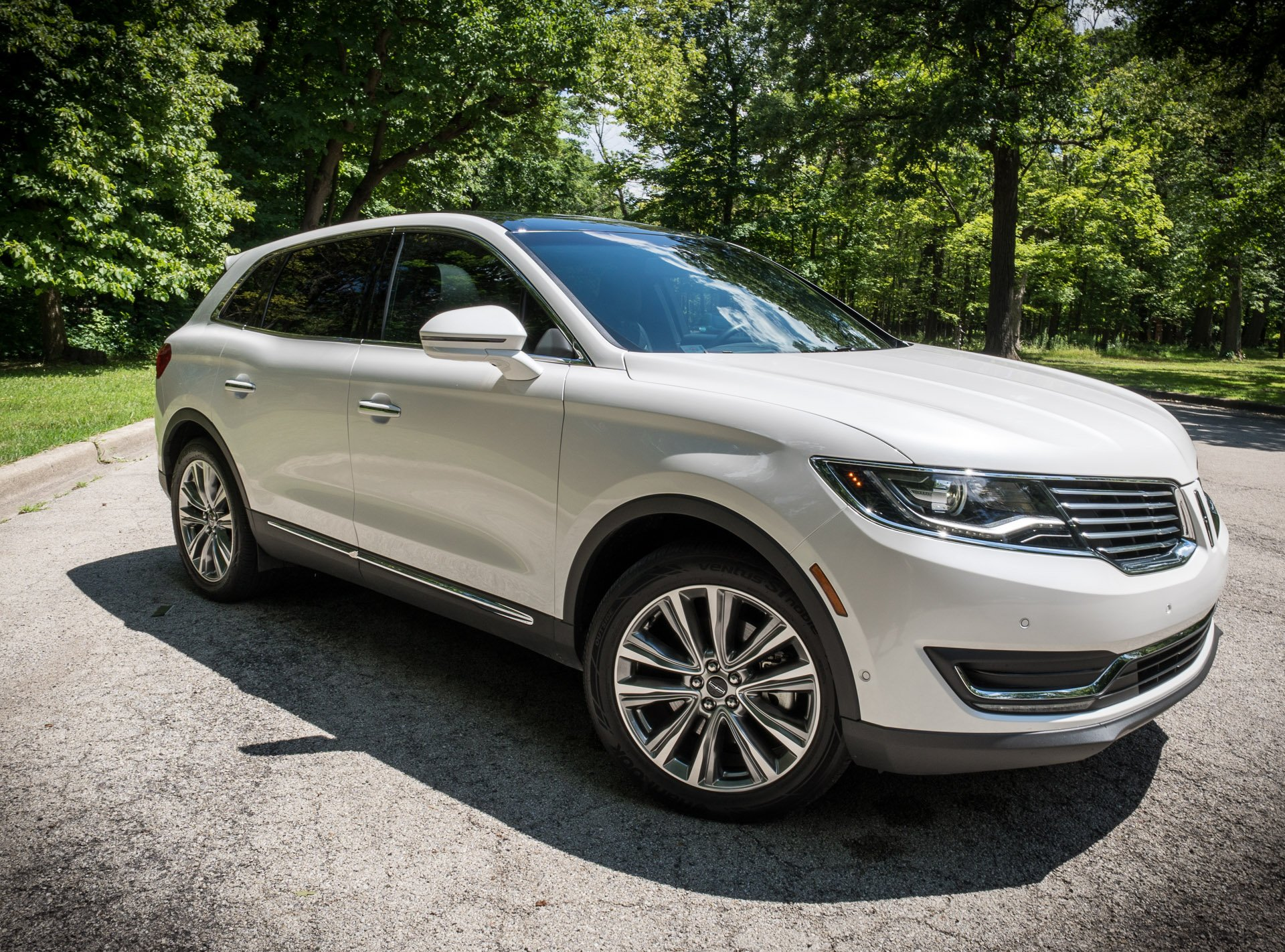 review 2016 lincoln mkx 2 7 awd 95 octane. Black Bedroom Furniture Sets. Home Design Ideas