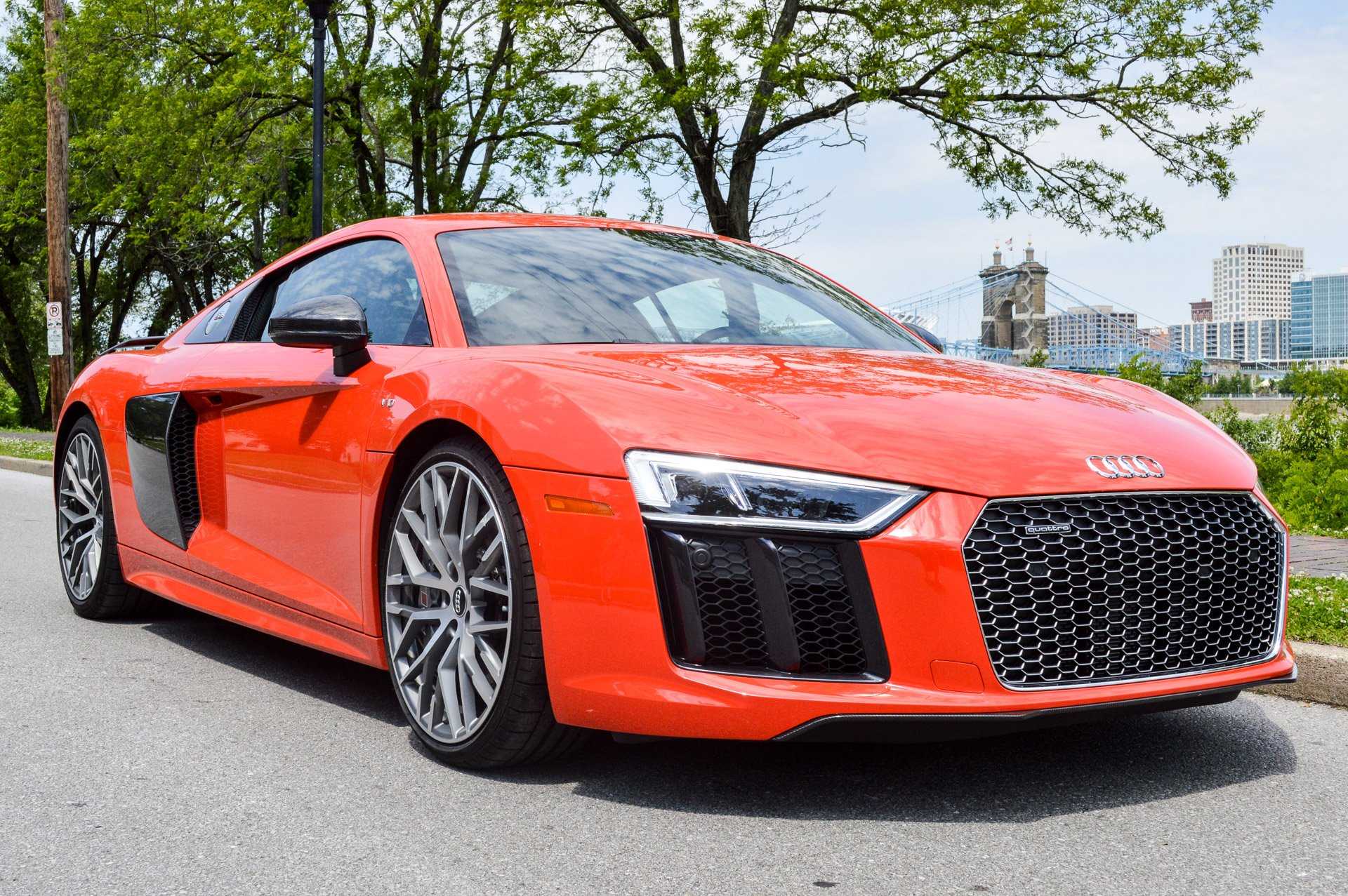 Review: 2017 Audi R8 V10 Plus