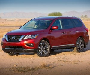 Nissan Reveals 2017 Pathfinder with More of Everything