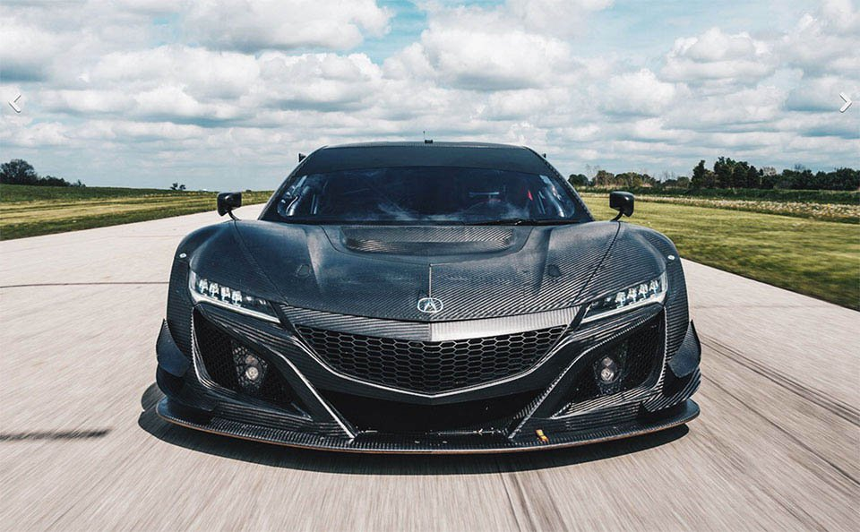 Acura NSX GT3 Hits the Track for Practice