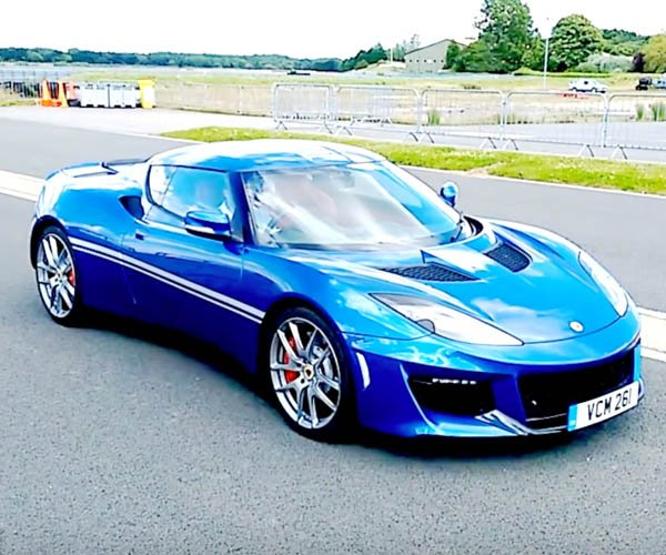 Lotus Evora 400 Sounds Insane on Track