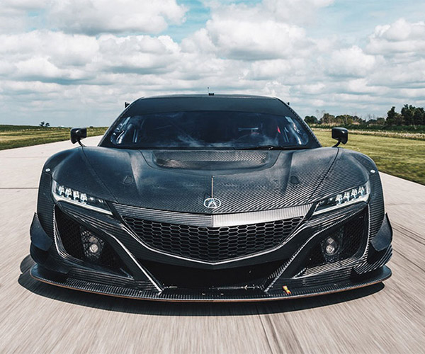 Acura NSX GT3 Looks Fantastic in Bare Carbon Fiber