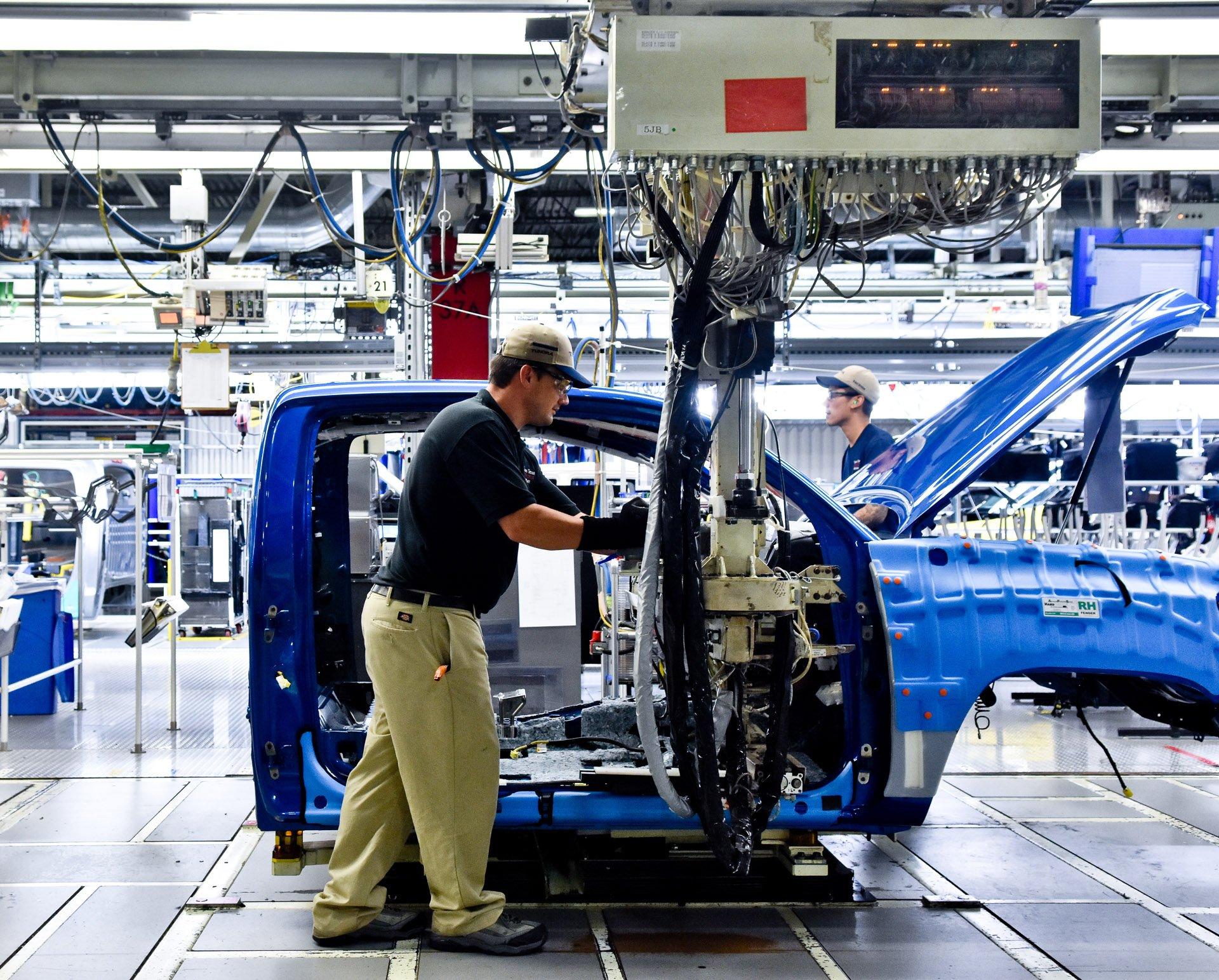 Go Inside Toyota's Texas Truck Plant - 95 Octane