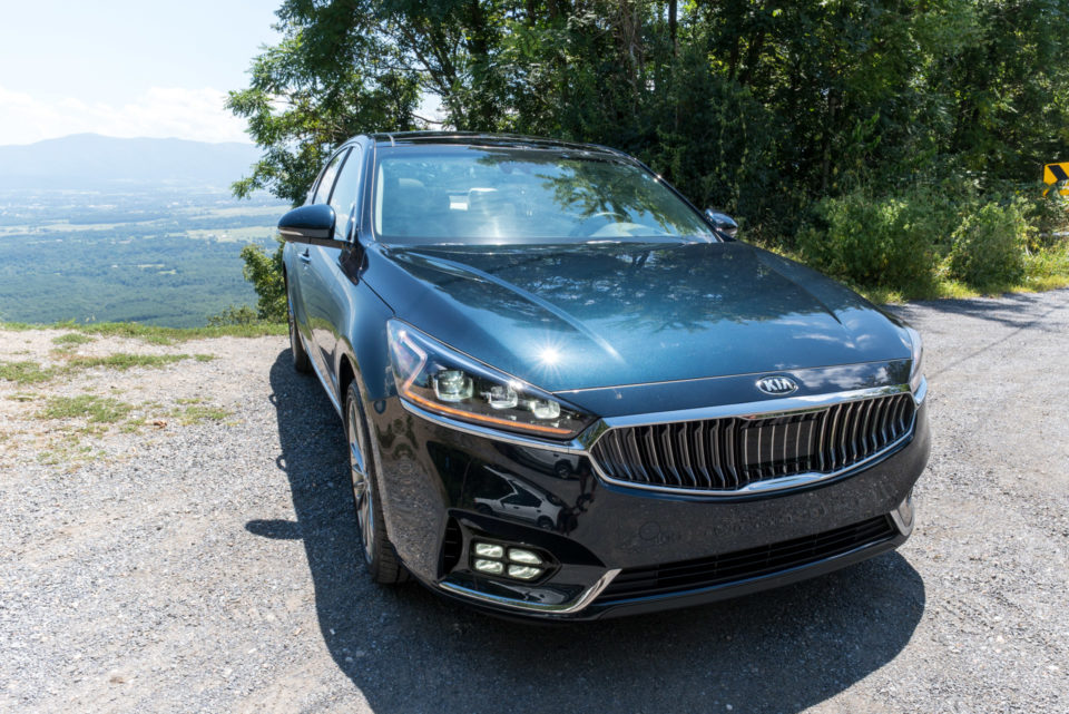 2017_kia_cadenza_review_2