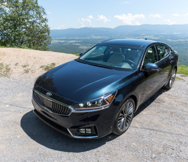 2017_kia_cadenza_review_5