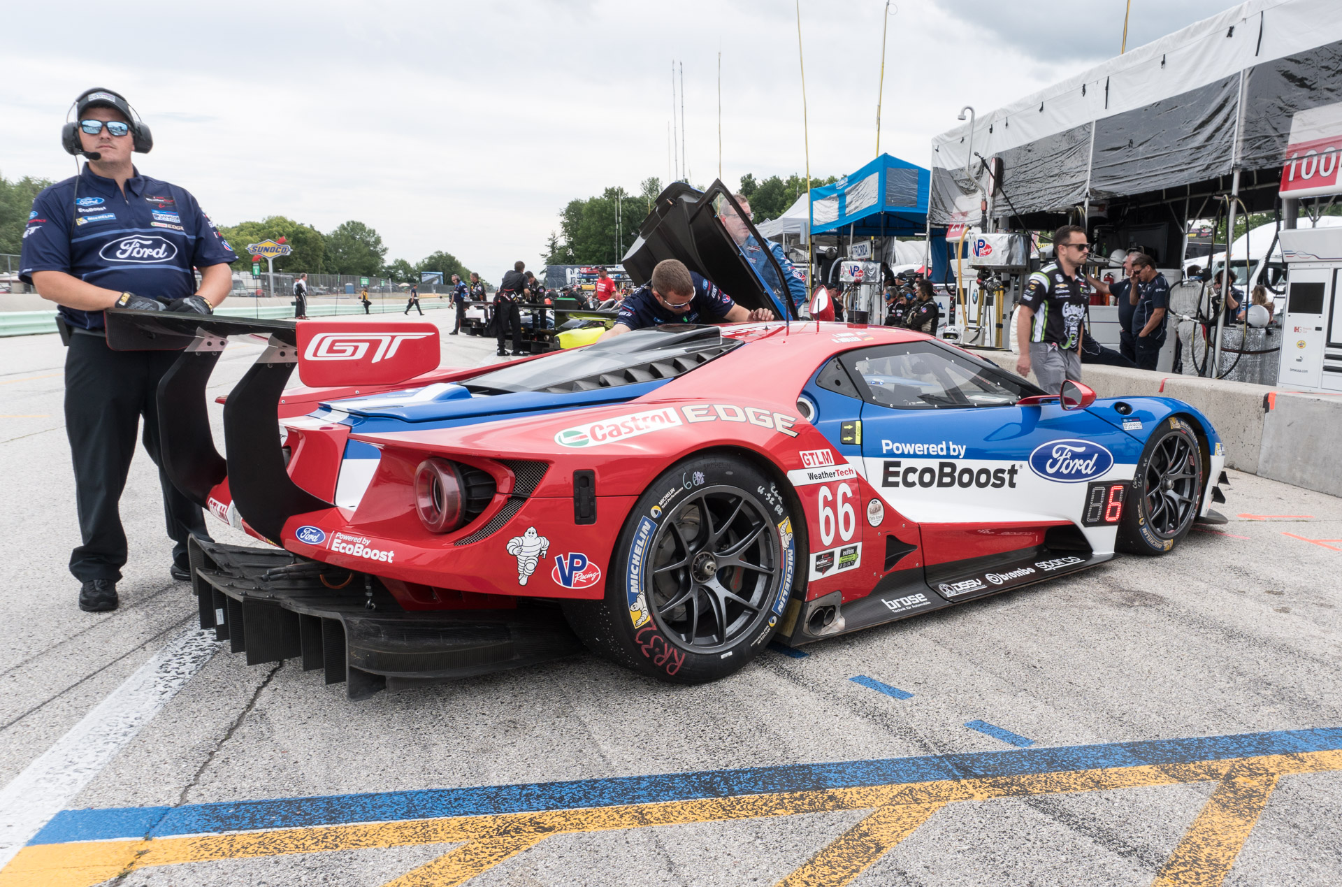 Up Close With The Ford Gt Lm Race Cars 95 Octane